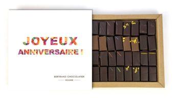 Coffret 32 chocolats classiques joyeux anniversaire