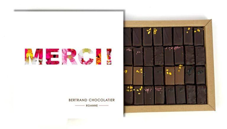 Coffret 32 chocolats pralinés merci
